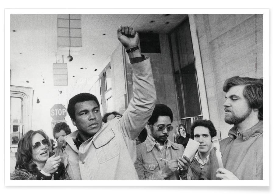 Muhammad Ali raises his Fist affiche