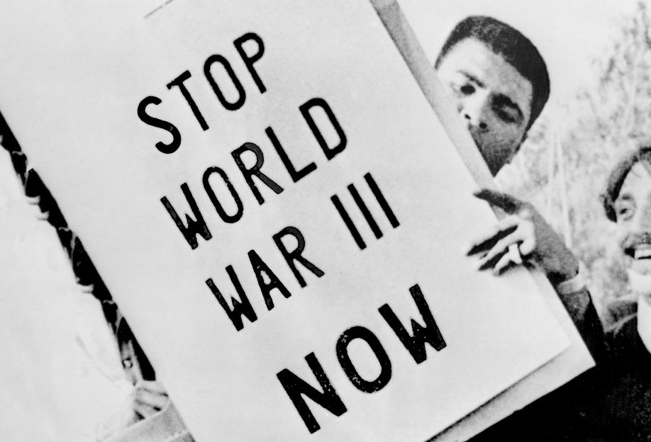 Cassius Clay/Muhammad Ali participates in anti-war demonstration Impression sur alu-Dibond
