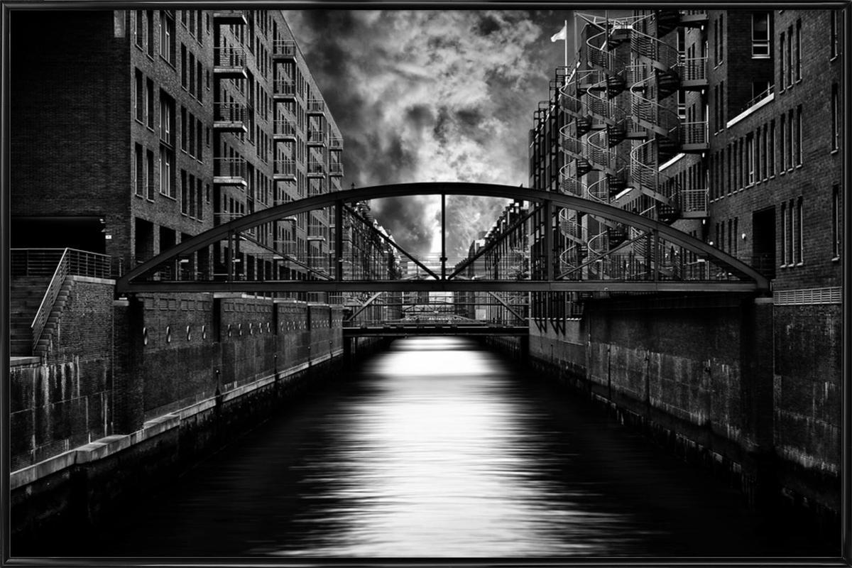 The other side of Hamburg - Stefan Eisele -Bild mit Kunststoffrahmen