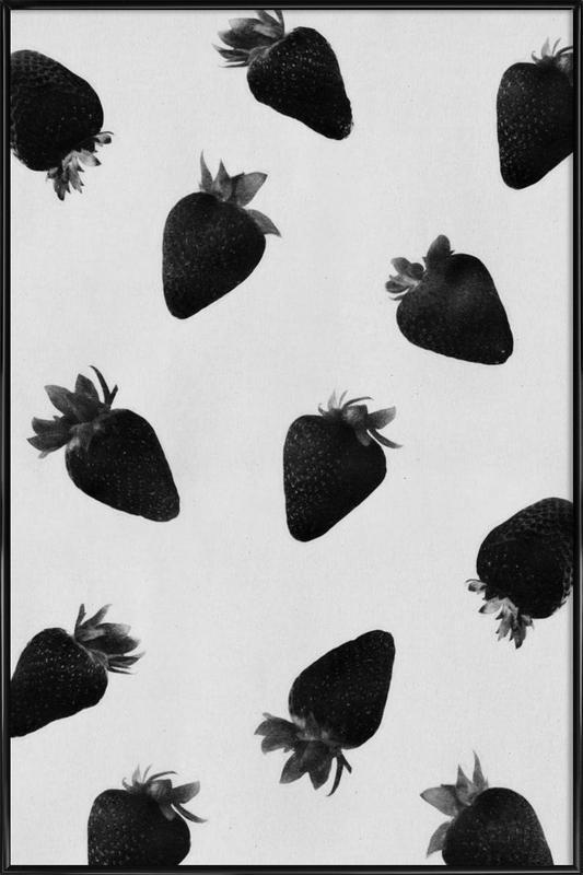 Black Strawberries -Bild mit Kunststoffrahmen